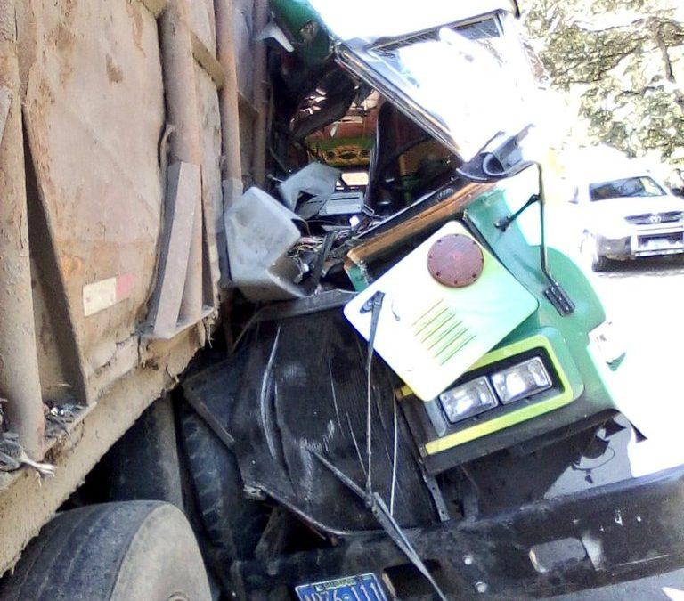 Bus se accidenta en carretera panamericana